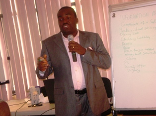 Olayinka Abiodun sharing his 'jealously guarded secrets' on the 1st day of his seminar